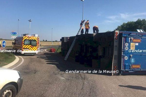L'accident a eu lieu sur un rond point de la RD 603 à la sortie d'Etain, sur la route en direction de Spincourt