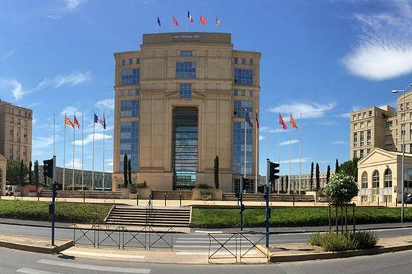La façade de l'Hôtel de Région à Montpellier
