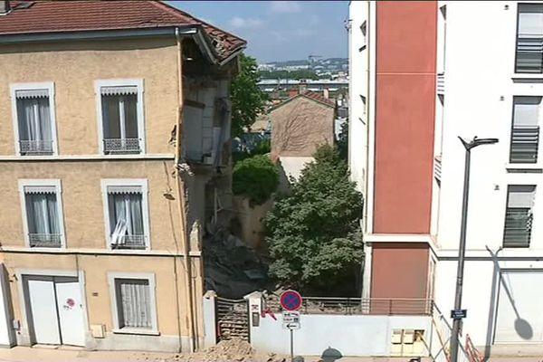 La façade nord de l'immeuble s'est effondrée dans la nuit du 17 au 18 mai