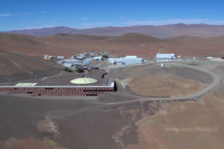 A Grenoble, un prof de physique veut faire découvrir à ses élèves le Très Grand Téléscope du désert d'Atacama - France 3 Régions