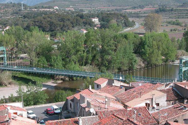 Le pont suspendu de Cessenon-sur-Orb dans l'Hérault - illustration - 2009