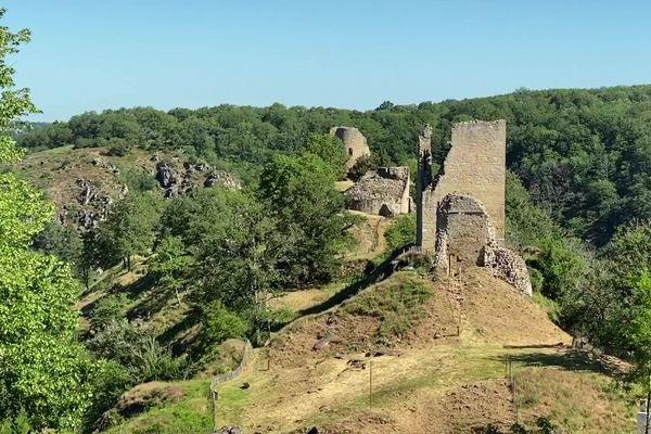 Les vestiges de la forteresse de Crozant