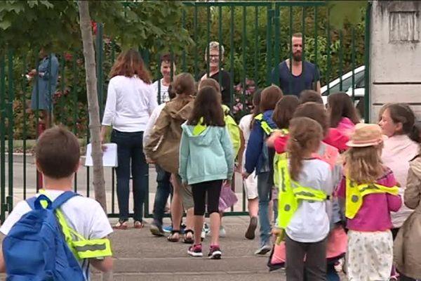 Les écoliers de la commune de Rosenau, dans le Haut-Rhin, pourraient revenir à 4 jours de classe par semaine dès la rentrée prochaine