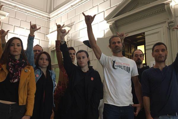 Les prévenus ont pris la pose au tribunal correctionnel d'Evreux ce vendredi 20 septembre.