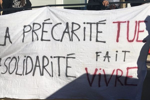 A Montpellier manifestation contre la précarité et la suppression des aides pour les étudiants. Illustration.