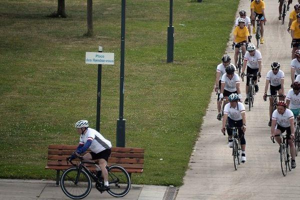 Cette randonnée cycliste de 1.150 km est organisée dans le cadre des commémorations du 70e anniversaire du massacre commis par la division SS Das Reich