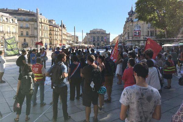 Une centaine d'enseignants et de chercheurs du secteur public s'est mobilisée à Montpellier contre la loi de programmation pluriannuelle de la recherche (LPPR). / 8 juillet 2020.