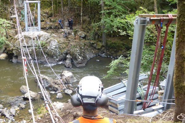 Les travaux sont en cours pour aménager les gorges de l'Auvezère dont le potentiel n'est pas encore totalement exploité