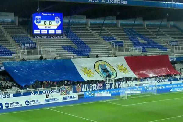 Dans les tribunes du stade Abbé Deschamps, c'était aussi le derby entre supporters