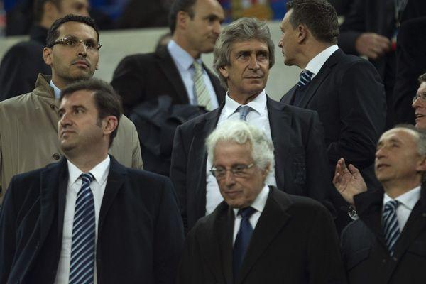 Khaldoon al-Mubarak, Ferran Soriano et Martin Edelman avec Manuel Pellegrini, l'ex-coach de City.