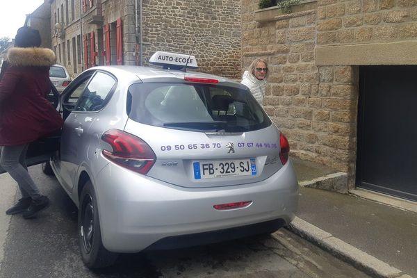 L'auto-école de Marie-Noëlle attire les candidats au permis venus de Paris