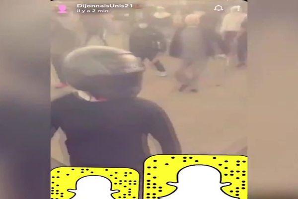 Les images des affrontements du week-end des 12 au 15 juin 2020 dans le quartier des Grésilles à Dijon ont envahi les réseaux sociaux.