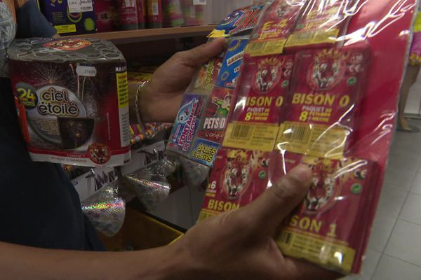Les magasins de feux d'artifice font le plein