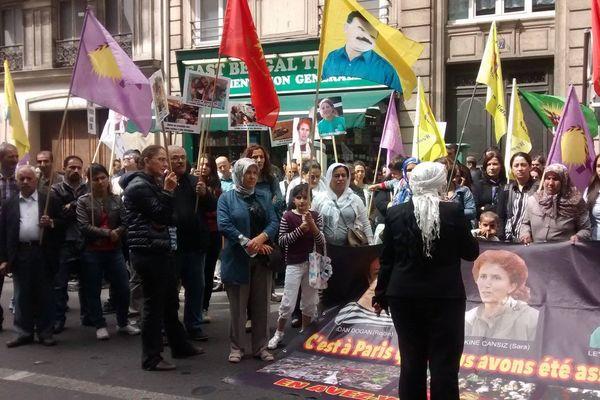 Tous les mercredis depuis le 9 janvier 2013, la Feyka manifeste pour demander que la lumière soit faite sur l'assassinat de trois militantes kurdes, Fidan Dogan (Rojbîn), Sakine Cansiz et Leyla Saylemez.