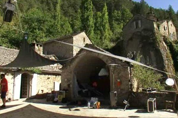 Le hameau de la Sablière, situé entre Lozère et l'Aveyron, devrait accueillir des stages divers et variés toute l'année