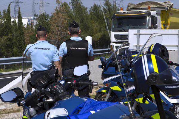 Illustration de motards de l'escadron de la sécurité routière