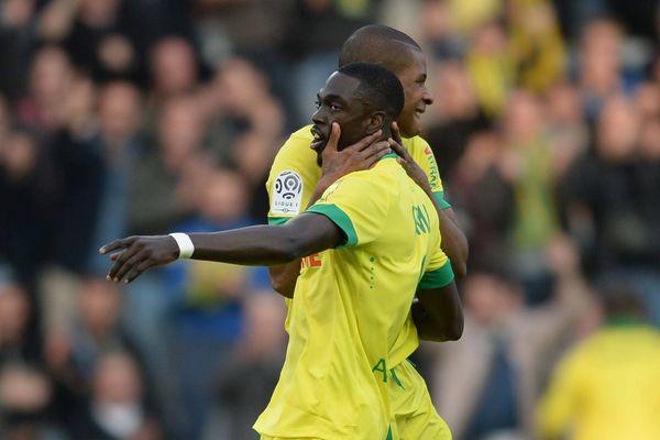 Nantes / Lorient (37ème journée de Ligue 1 de football) La joie du joueur de Nantes Johan Audel après son but félicité par Remi Gomis