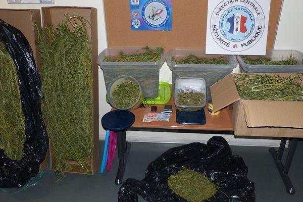 Les 7 kilos de cannabis saisis.