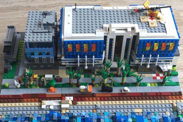 La reconstitution du bâtiment en Lego !
