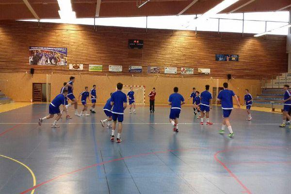L'équipe de France de handball des moins de 17 ans en stage à Montargis