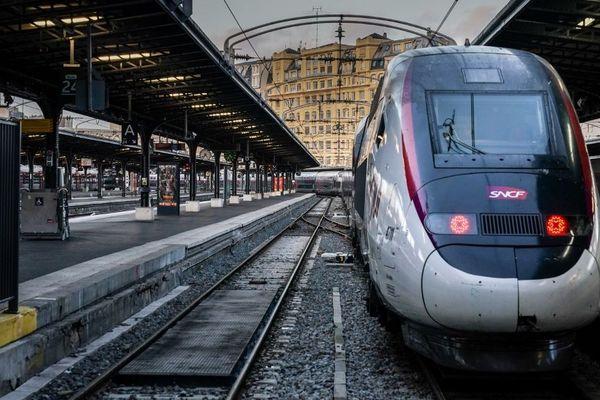 La grève dans les transports se poursuit en Ile-de-France ce lundi 16 décembre.