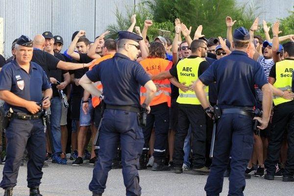 Supporters, lors du match Bastia-OM le 9 août 2014, objet d'affrontements avec les forces de l'ordre