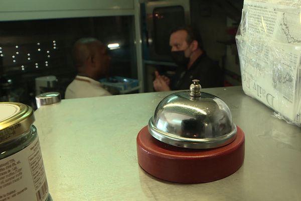 Les restaurants cherchent de la main d'oeuvre pour la réouverture des salles mercredi 9 juin.