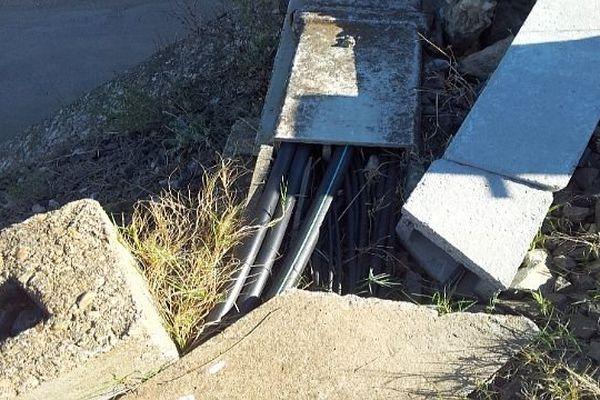 Vestric et Candiac (Gard) - l'endroit où les cables de cuivre ont été volés - 11 octobre 2013.