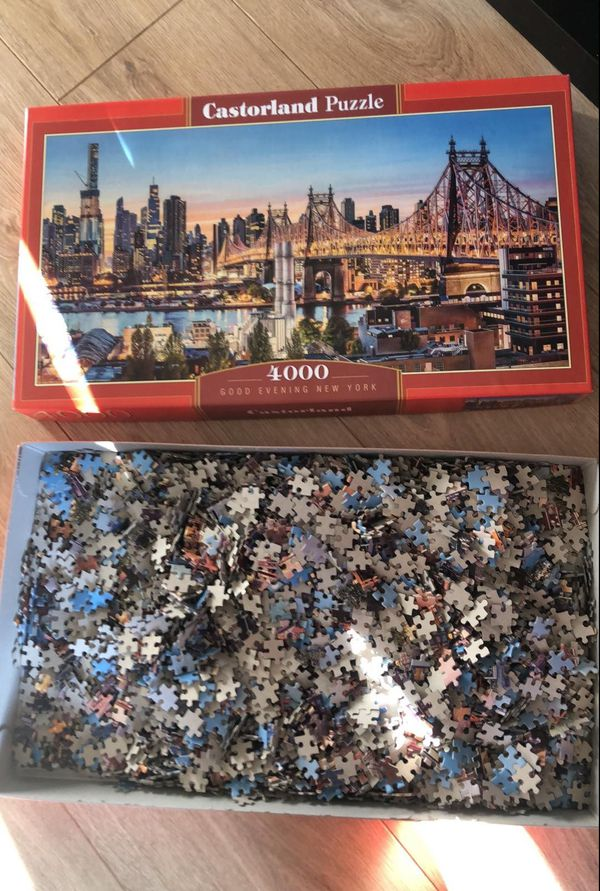 Resté dans son emballage depuis les fêtes, le puzzle trouve enfin une utilité. 23/03/2020