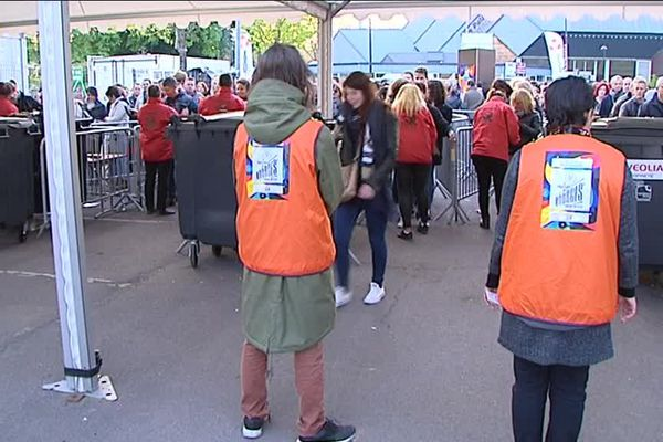 Parmi les personnes embauchées pour le Printemps de Bourges, on retrouve des salariés chargés de l'accueil du public.