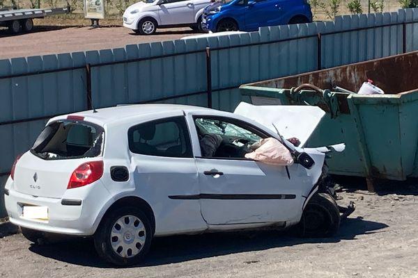 Une des voitures accidentée. La collision a fait trois morts dans un accident de la route dans l'Aube.