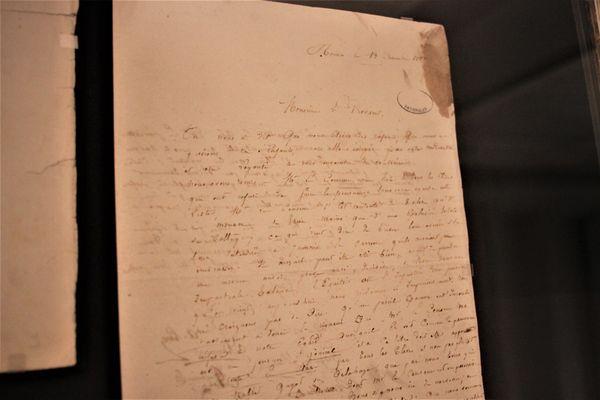 Lettre originale adressée au proviseur : Gustave Flaubert prend la tête d'un refus collectif d'une punition, qu'il signe aux côtés de 29 camarades de classe. Il se rebelle contre un pouvoir qu'il estime illégitime.