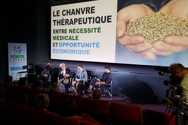 La réunion publique autour du cannabis thérapeutique en Creuse au cinéma Le Sénéchal de Guéret.