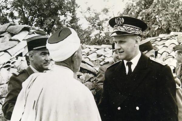 Jean-Marie Robert, indigné du sort réservé aux populations algériennes, fera des rapports à l'Élysée, et tentera de faciliter le rapatriement de familles Harkis après 62
