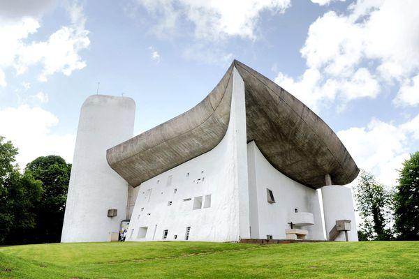 La chapelle Notre-Dame-du-Haut, Oeuvre conçue en 1955 par Le Corbusier