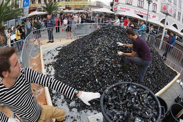 La braderie de Lille 2016 a été annulée, mais le traditionnel tas de Moules était bien là