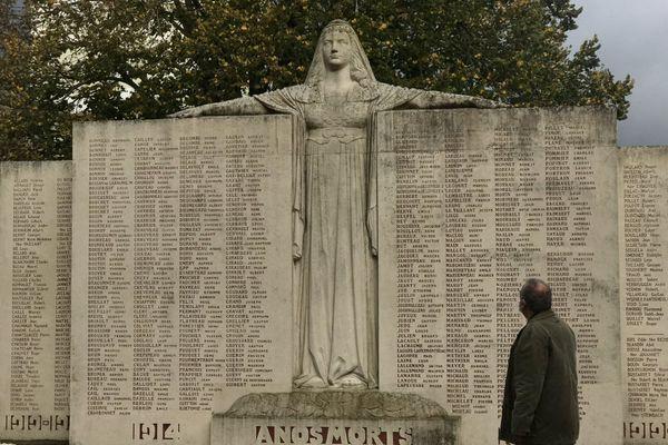 Plus de 14 000 Deux-Sévriens sont morts lors des combats de 14-18.