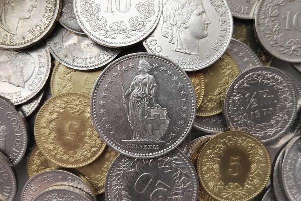 Amoncellement de francs suisses. Photo d'illustration.