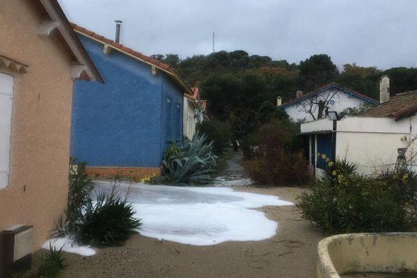Au Racou (plage d'Argelès-sur-Mer), mardi, une quinzaine d'habitants ont été évacués de leur maison en prévision du passage de la tempête Gloria