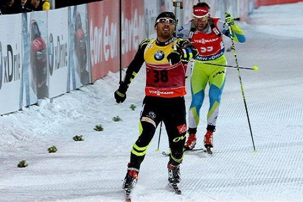 Martin Fourcade remporte le sprint de Khanty-Mansiysk en Russie et s'adjuge le petit globe de la spécialité - 19 mars 2015