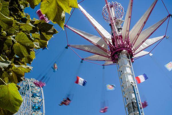 La Foire du Trône est le plus grand parc d'attractions foraines d'Europe.