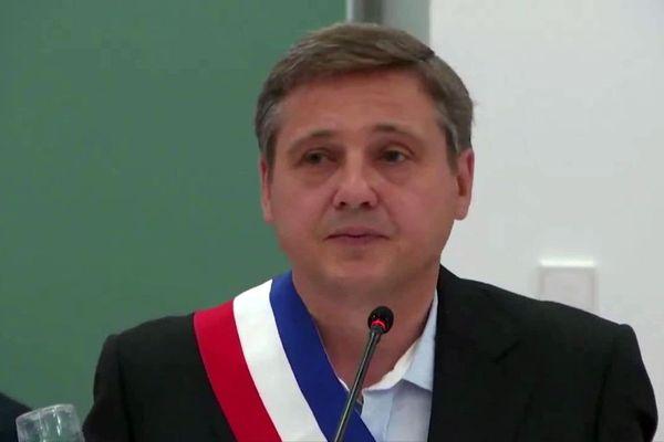 Crescent Marault a été installé dans ses fonctions de maire d'Auxerre dimanche 5 juillet 2020.