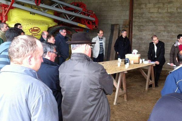 Le président de la FNSEA est venu à la rencontre des agriculteurs pour leur apporter son soutien