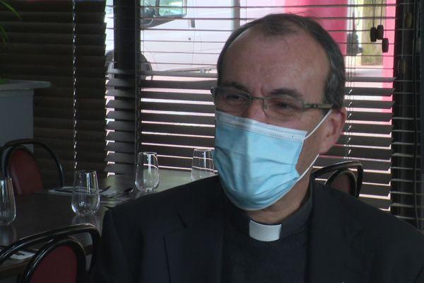 Père Laurent Berthout, porte-parole du Diocèse de Bayeux et Lisieux