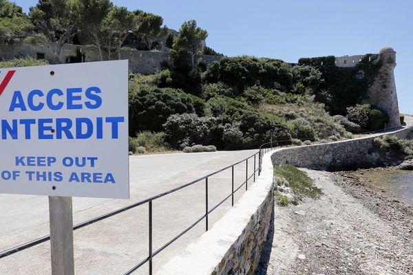 L'accès au Fort de Brégançon est interdit au public.