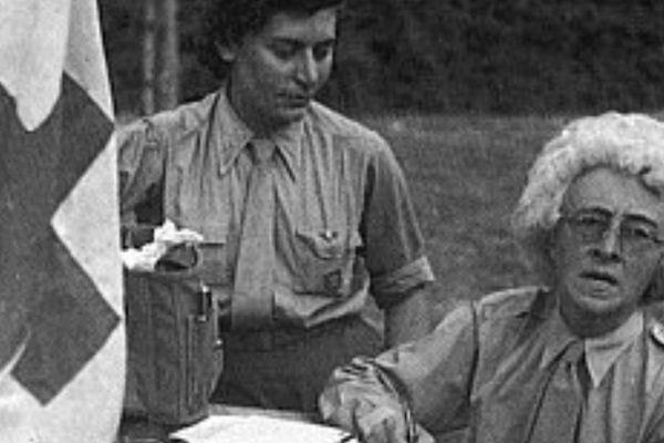 Denise Colin et Florence Conrad, Normandie, 1944.