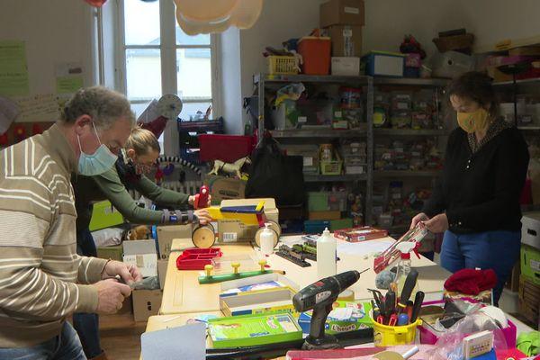 La clinique des jouets de l'association Rejouets