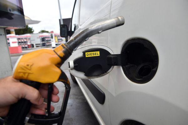 Face à l'augmentation des prix à la pompe, de plus en plus de Franciliens ont recours au covoiturage