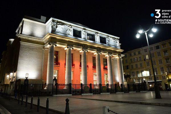 La crise sanitaire a obligé l'Opéra de Marseille à fermer temporairement ses portes, mais ce dernier entend bien garder le lien qui l'unit à son public.