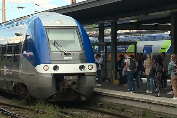 Illustration train SNCF en gare d'Amiens